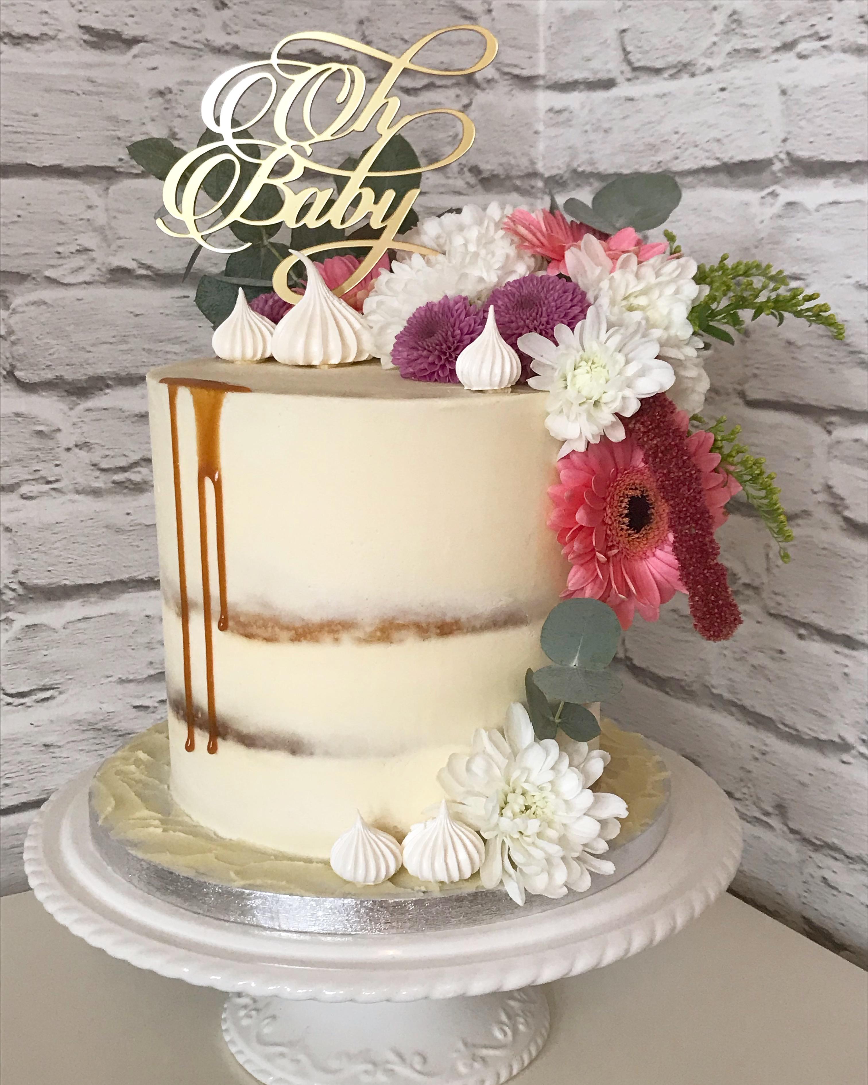 Baby Shower drip cake