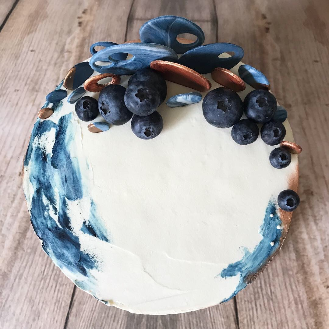 Blueberry crescent cake