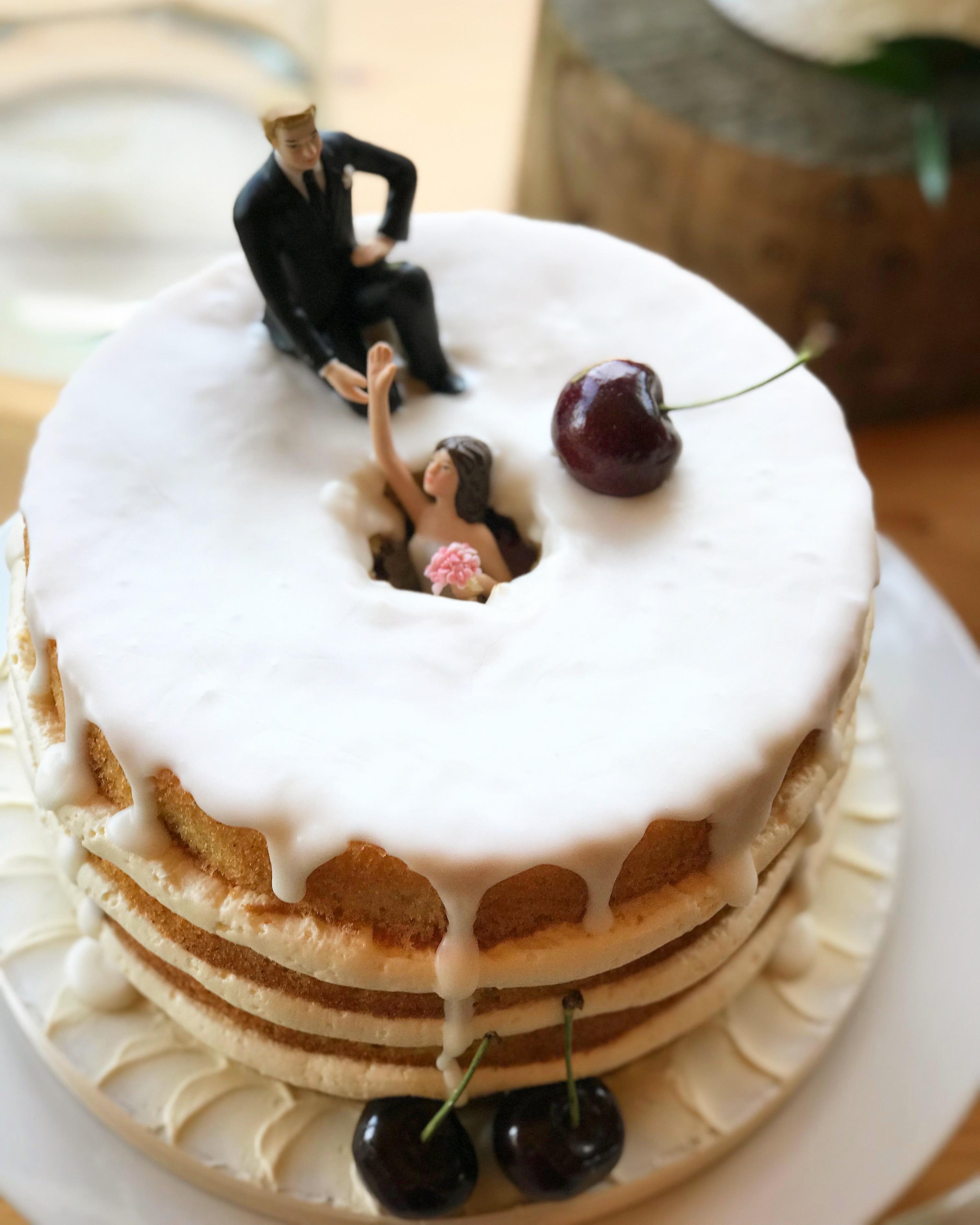 Comedy wedding cake