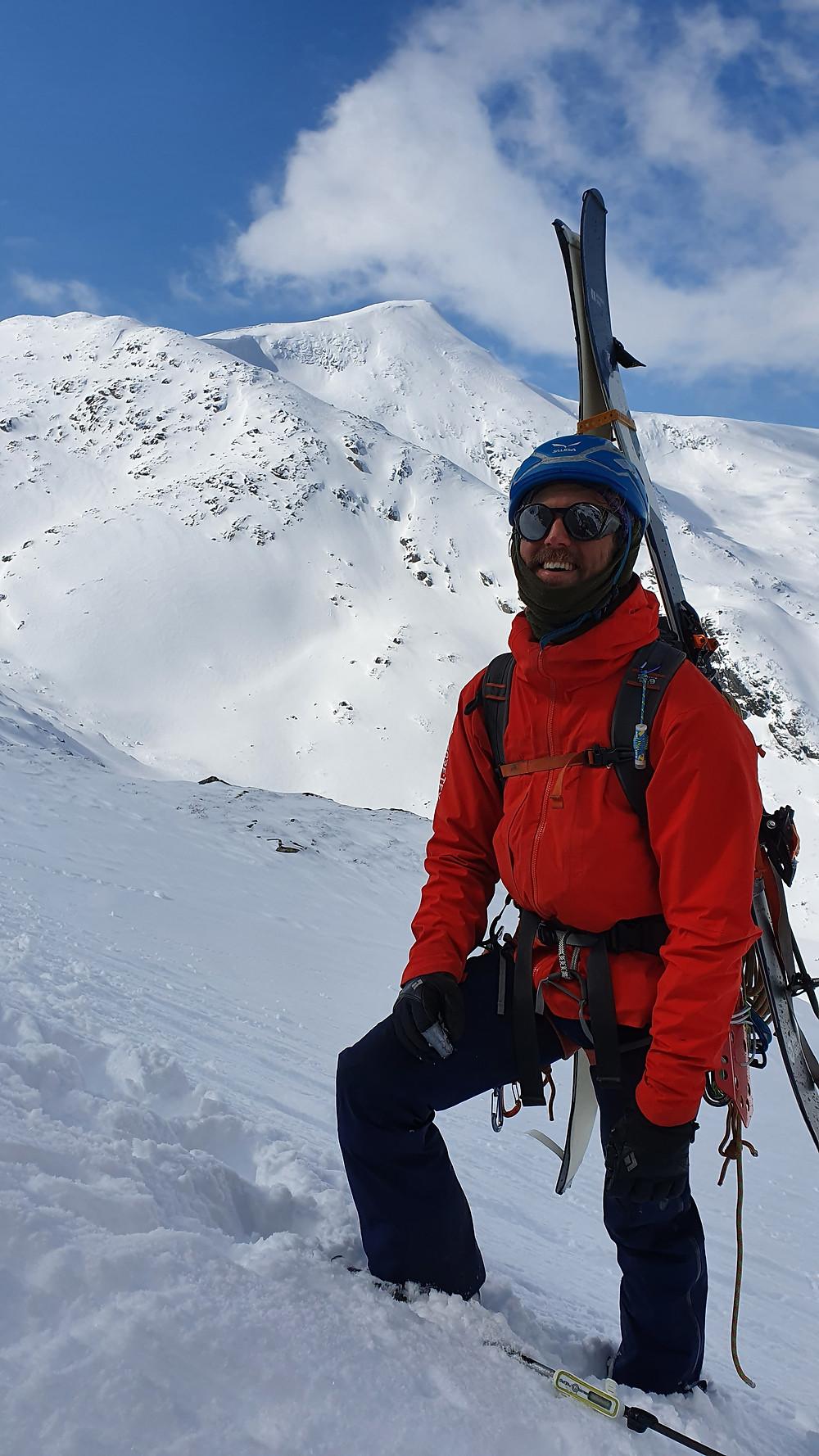 På alpin topptur