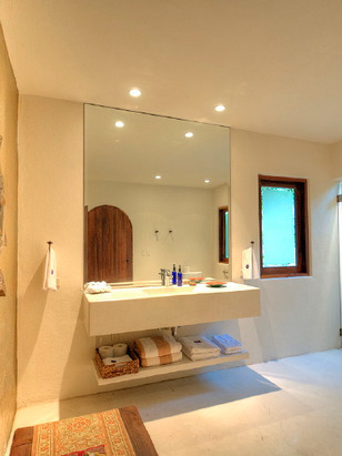 retreat_va_6744_bathroom.jpg