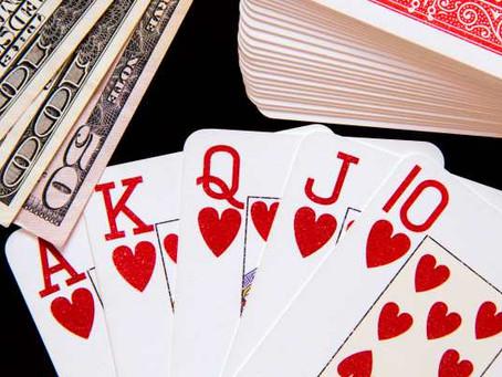 Poner las cartas encima de la mesa