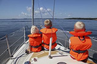 children-netting-lifejacket-s36188434-e1