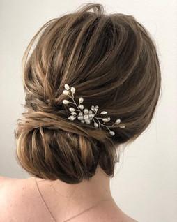 Brautfrisur/Hochsteckfrisur - locker gesteckt - Variante ohne Schleier nur mit Haarschmuck
