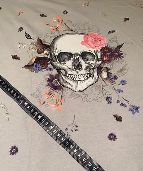Skulls and Flowers Eigenproduktion 150x200cm French Terry Panel