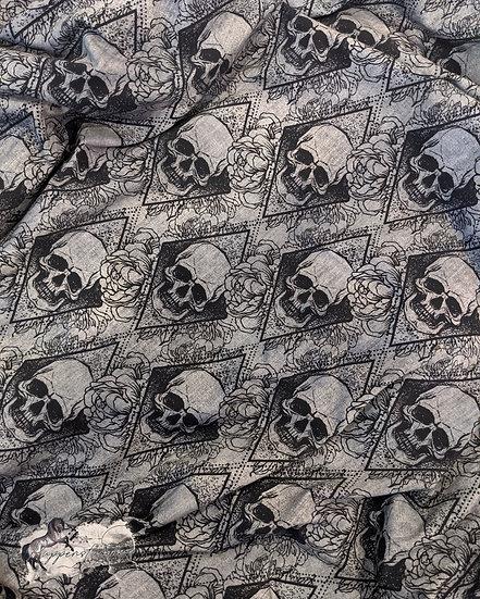 1m Coupons Golden Skulls French Terry Eigenproduktion