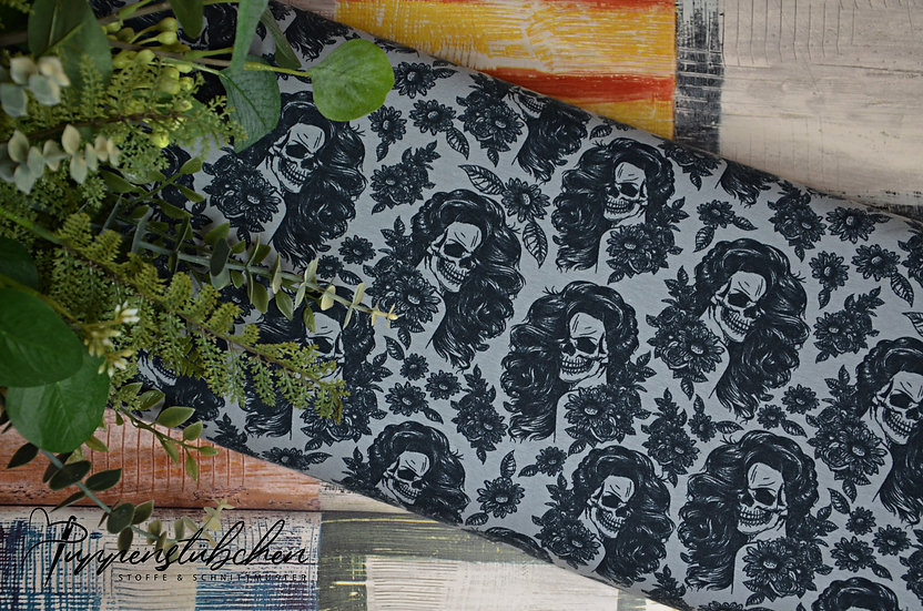 Ab 0.5m Lady Skulls