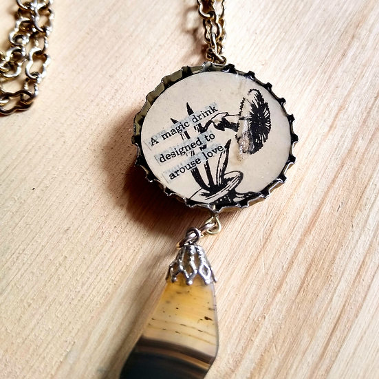 MAGIC DRINK NECKLACE