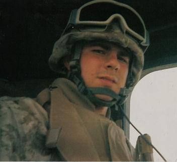 marine-with-helmet