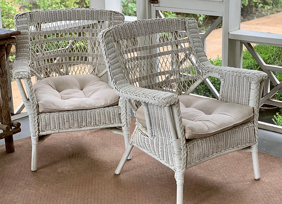 SET OF 4 VINTAGE WICKER CHAIRS