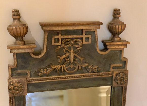 TRUMEAU MIRROR WITH GILT ACCENTS