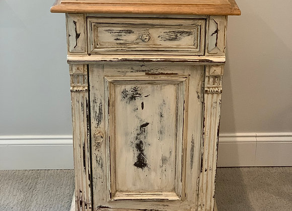 CREAM DISTRESSED SIDE TABLE