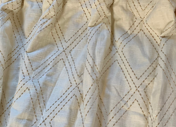 EMBROIDERED FIXED LINEN CURTAIN