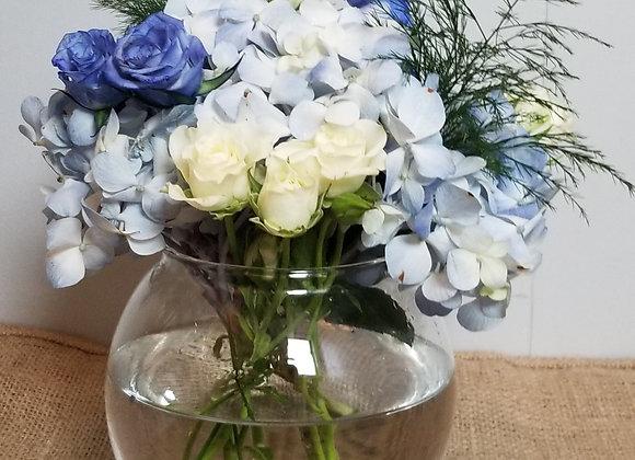 Fresh Flower Designers Arrangement (vase included)