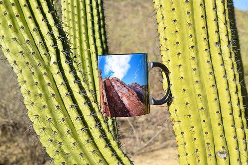 Taza de cerámica con fotografía de cerro de piedra de balastro