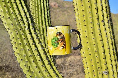 Taza de cerámica con fotografía de abeja