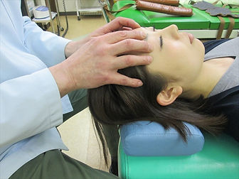 頭蓋骨矯正 中島接骨院