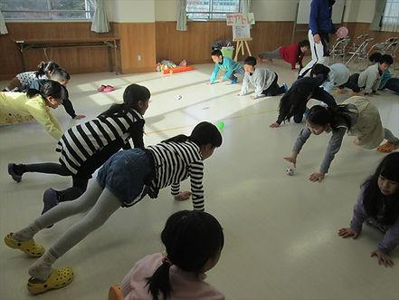 体幹キャッチボールラリー2_R.JPG