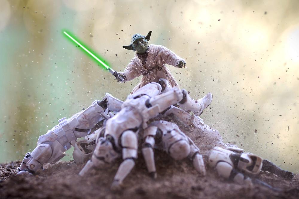Мастер Йода борется со злом