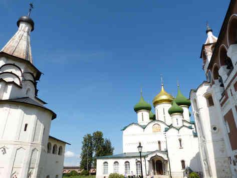 _absolutely_free_photos_original_photos_white-church-in-city-4000x3000_69577.jpg