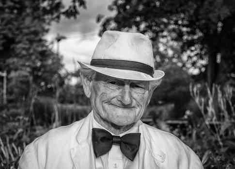 Портретное фото мужчины в возрасте