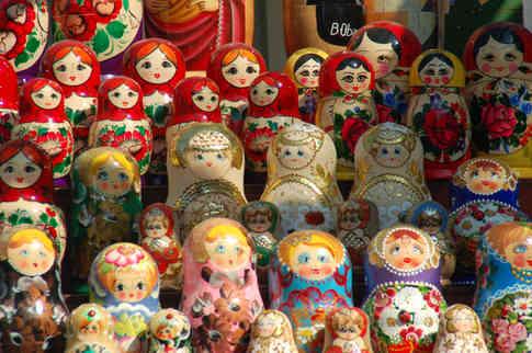 _absolutely_free_photos_original_photos_russian-dolls-on-shelves-3008x2000_49688.jpg