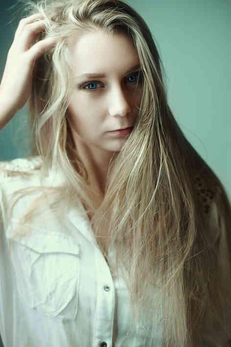 Портретное фото молодой леди
