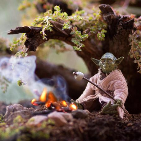 Фотограф снял игрушки героев Star Wars со спецэффектами и шуточным сюжетом