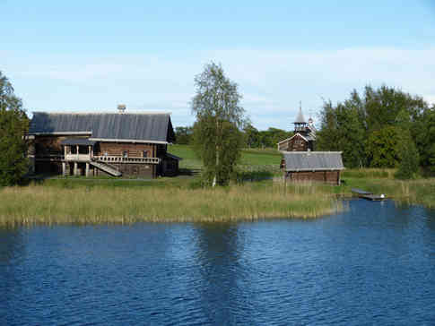 _absolutely_free_photos_original_photos_russia-wooden-farmhouse-4000x3000_74306.jpg