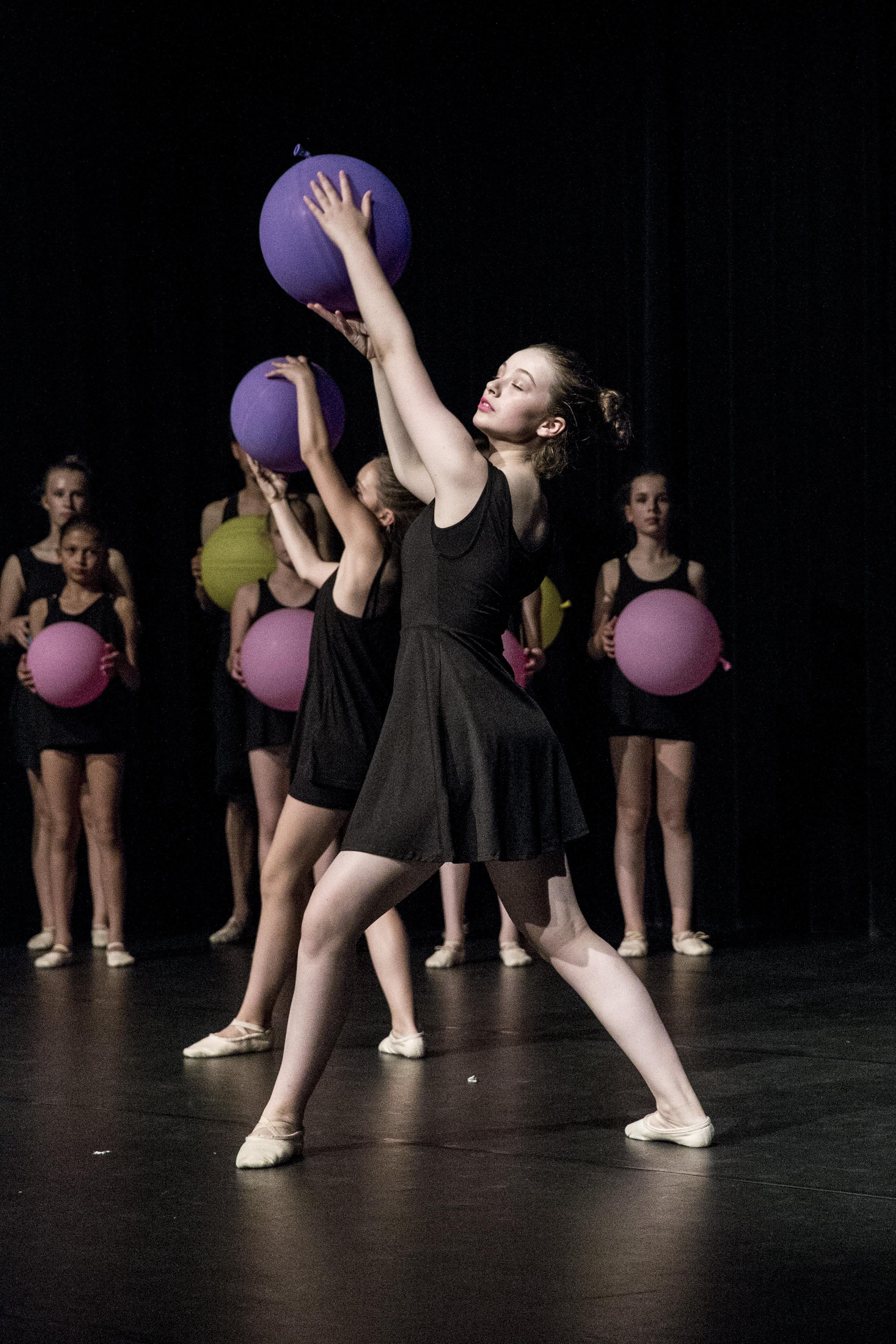 Company Danst! - 056