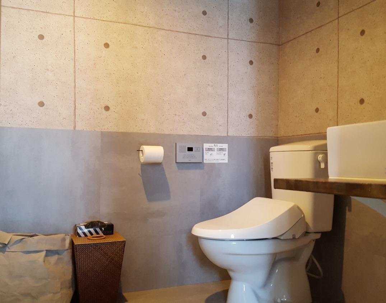 トイレは男女別