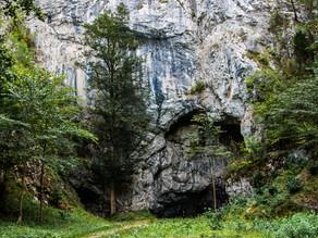 Jeskyně krvavých otazníků