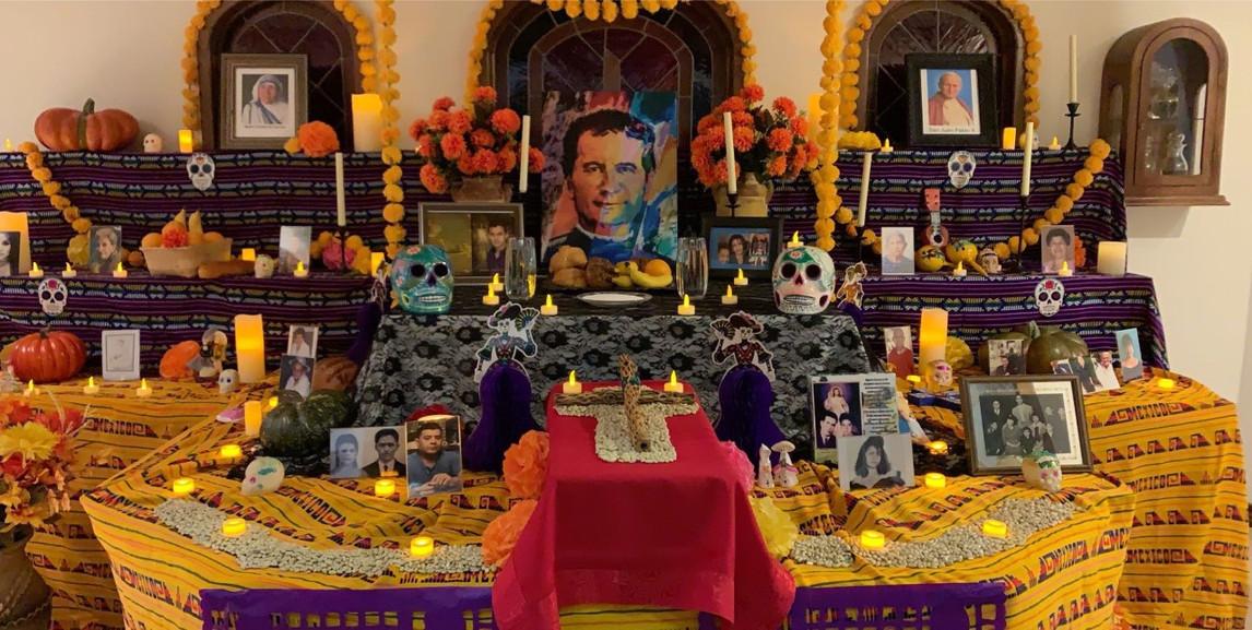 altar dia de los muertos.jpg