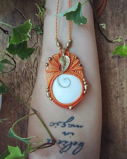 Collier avec Oeil de Ste Lucie/Oeil de Vénus