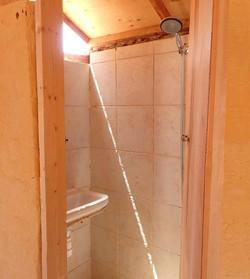 Deluxe bungalow shower