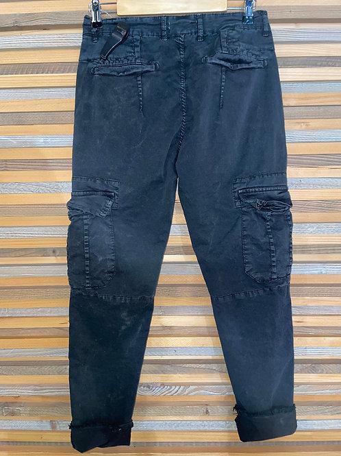Jean à poches noir P640312401