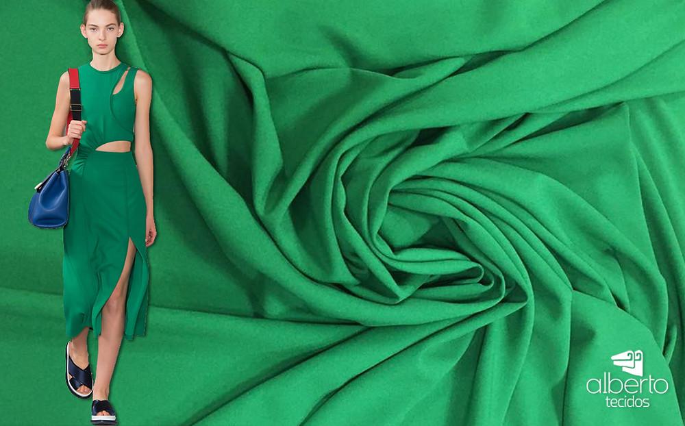 Crepe verde e um conjuntinho inspirador