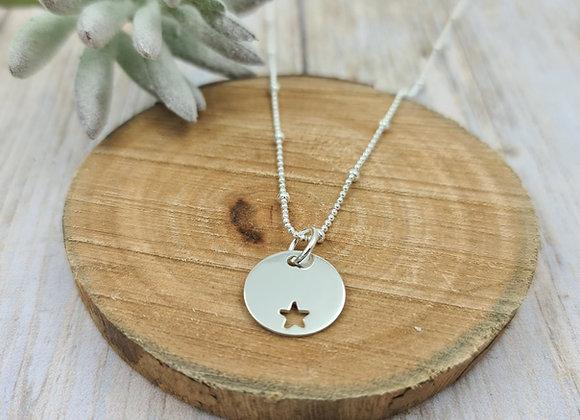 Collier court argent 925 - Chaîne perlée - pendentif étoile décalée