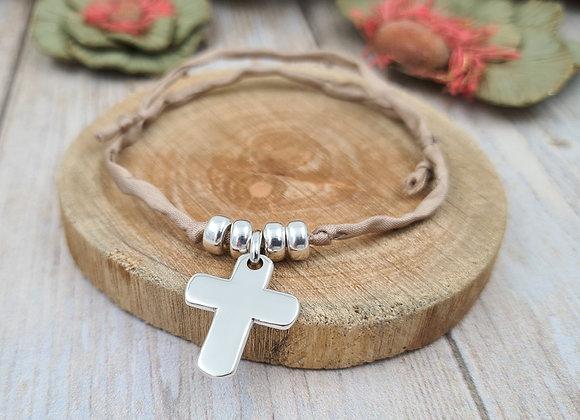 Collection Mademoiselle SVP - bracelet cordon de soie - pendentif croix