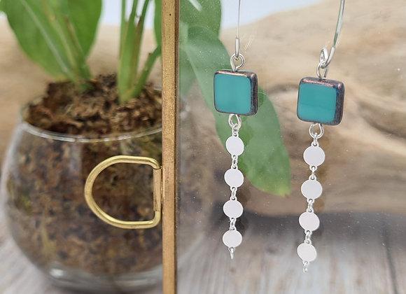 Boucles argent crochet ovale - perles carrées en verre de bohème