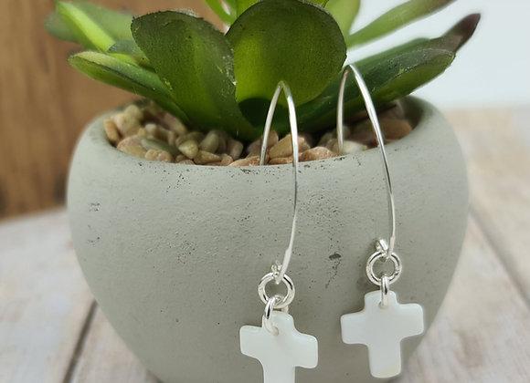 Les nacrées - boucles crochet ovale - pendentif croix