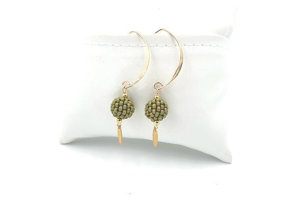 FANI vert kaki - Boucles crochet long gold filled et perles tissées à l'aiguille