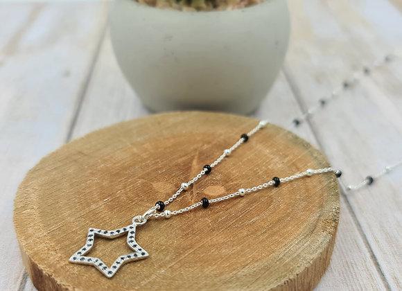 Collier court argent perles noires et pendentif strass