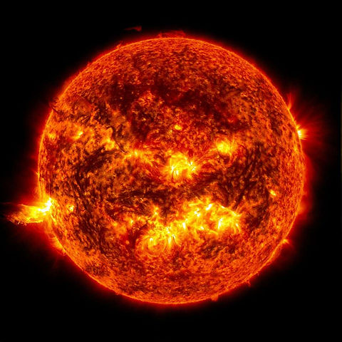 eruption solaire.jpg