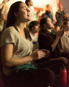 Chanter kirtan mantra meditation