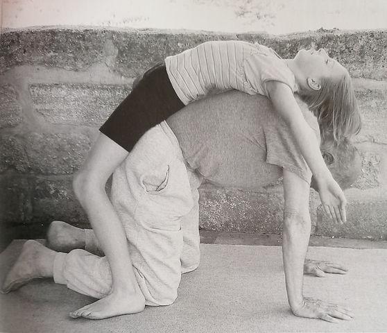 yoga famille Petite Fille & son Grand pé