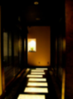 小京都を思わせるムーラン2階の通路演出