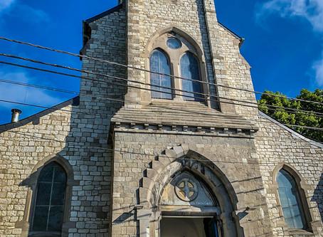 Eglise Sainte Marguerite de Bouge - Là-haut sur la colline !