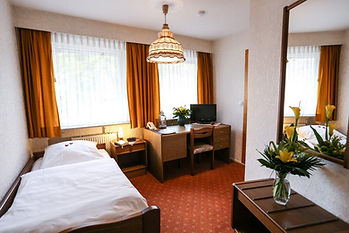 Zimmer 9-2.jpg