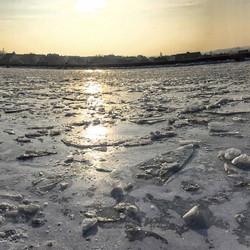 Eiswueste am Kanal